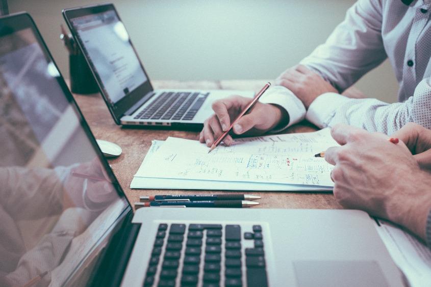 Como podem os QDAS contribuir para a qualidade da análise qualitativa de dados?*