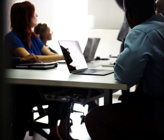 A Análise Qualitativa na Investigação Contextual em Educação